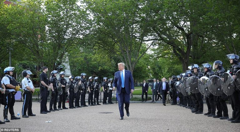Trump announces dispatch of federal forces to Chicago, New York and other cities after controversy in Portland