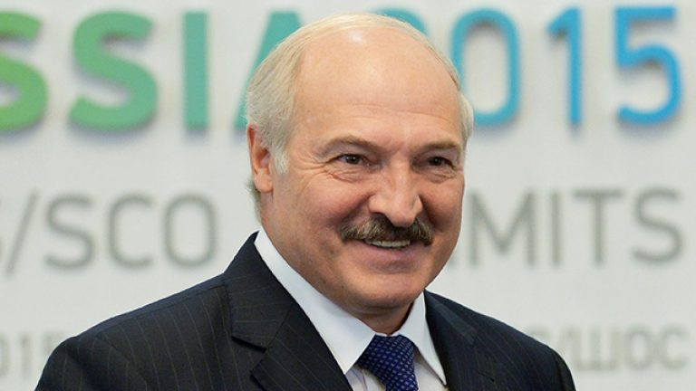 According to official results, Lukashenko wins the presidential elections in Belarus with 80% of the vote