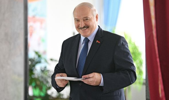 """Moscow accuses the Belarusian opposition of """"following the Venezuelan script"""" to overthrow Lukashenko"""