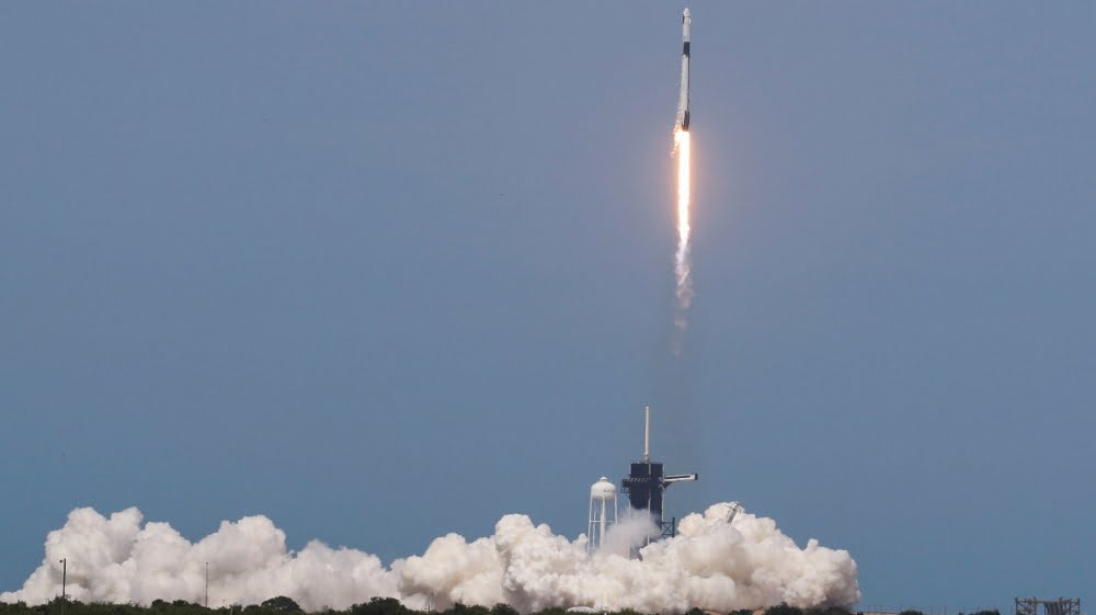 SpaceX astronauts successfully complete the historic mission