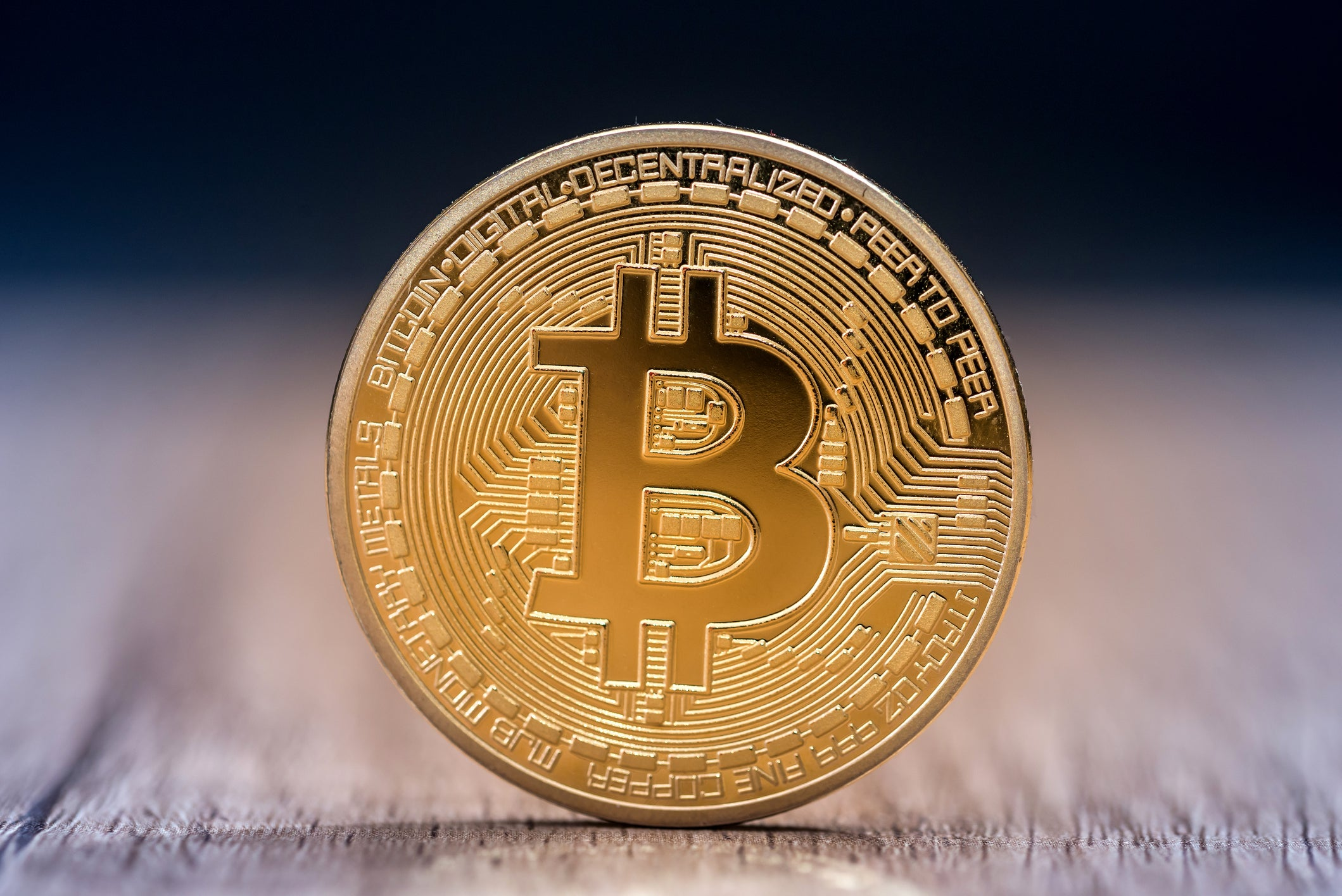 The Americans exchange their devalued dollars for Bitcoin