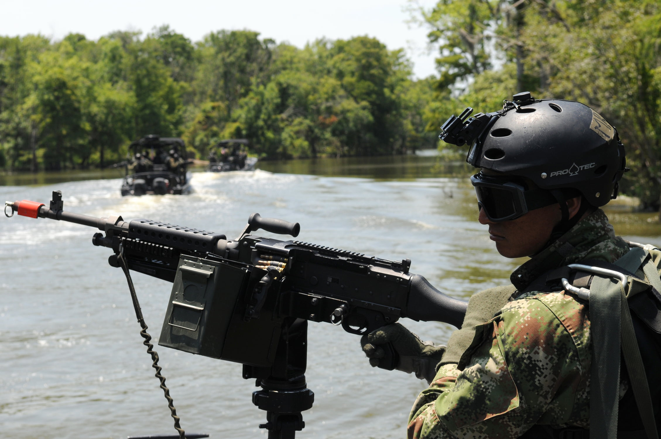 The ELN denies any involvement in the Nariño massacre and accuses the army of alliance with drug traffickers