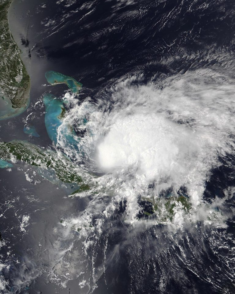 Tropical storm 'Isaías' comes to Canada after leaving six dead in the United States