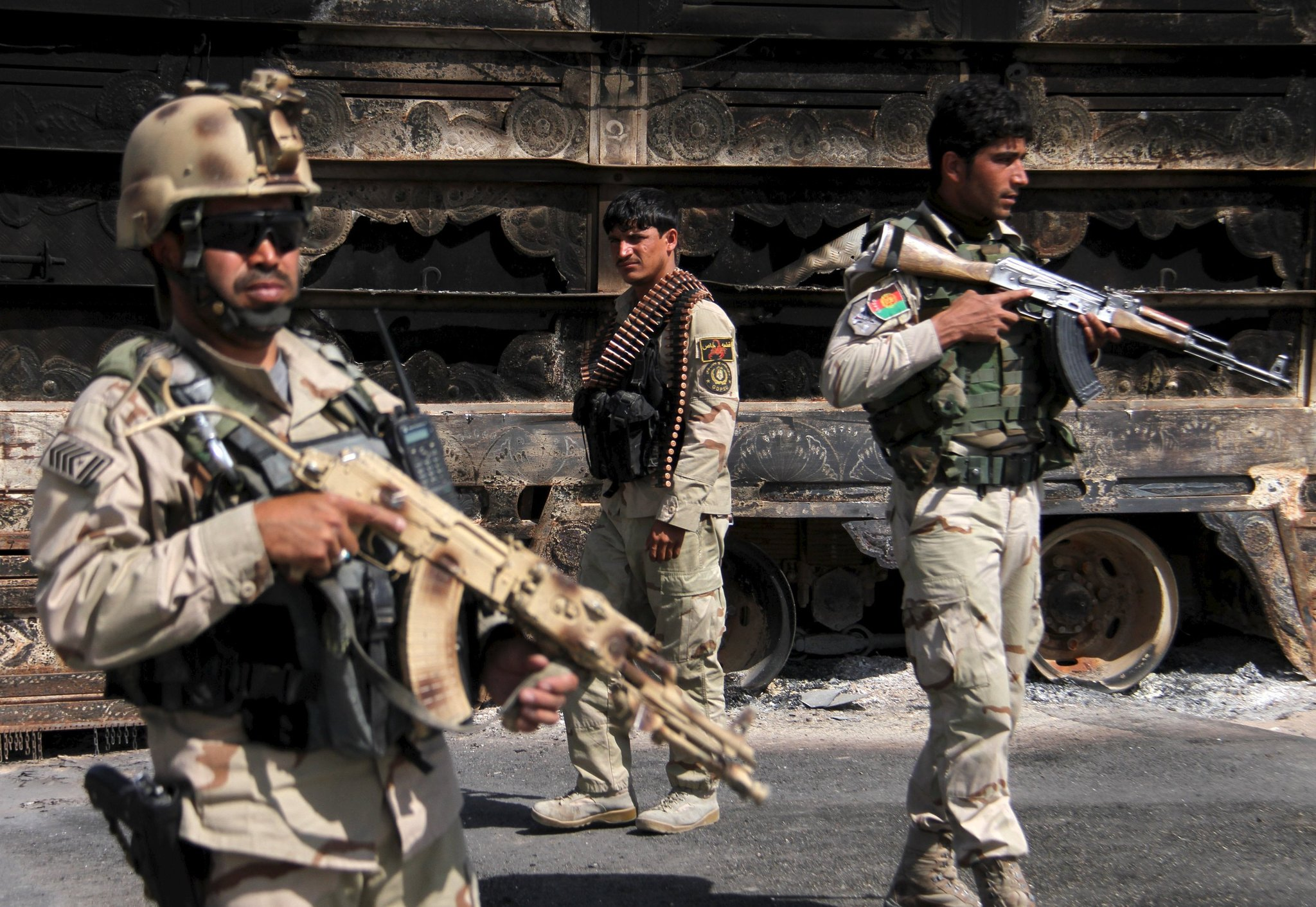 At least 21 dead in a Taliban offensive in two districts of northern Afghanistan