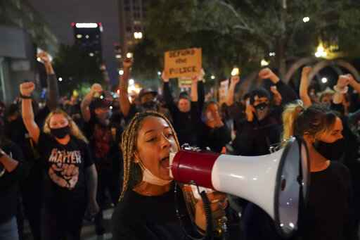 Louisville protesters took to the streets the second night to protest the Breonna Taylor case