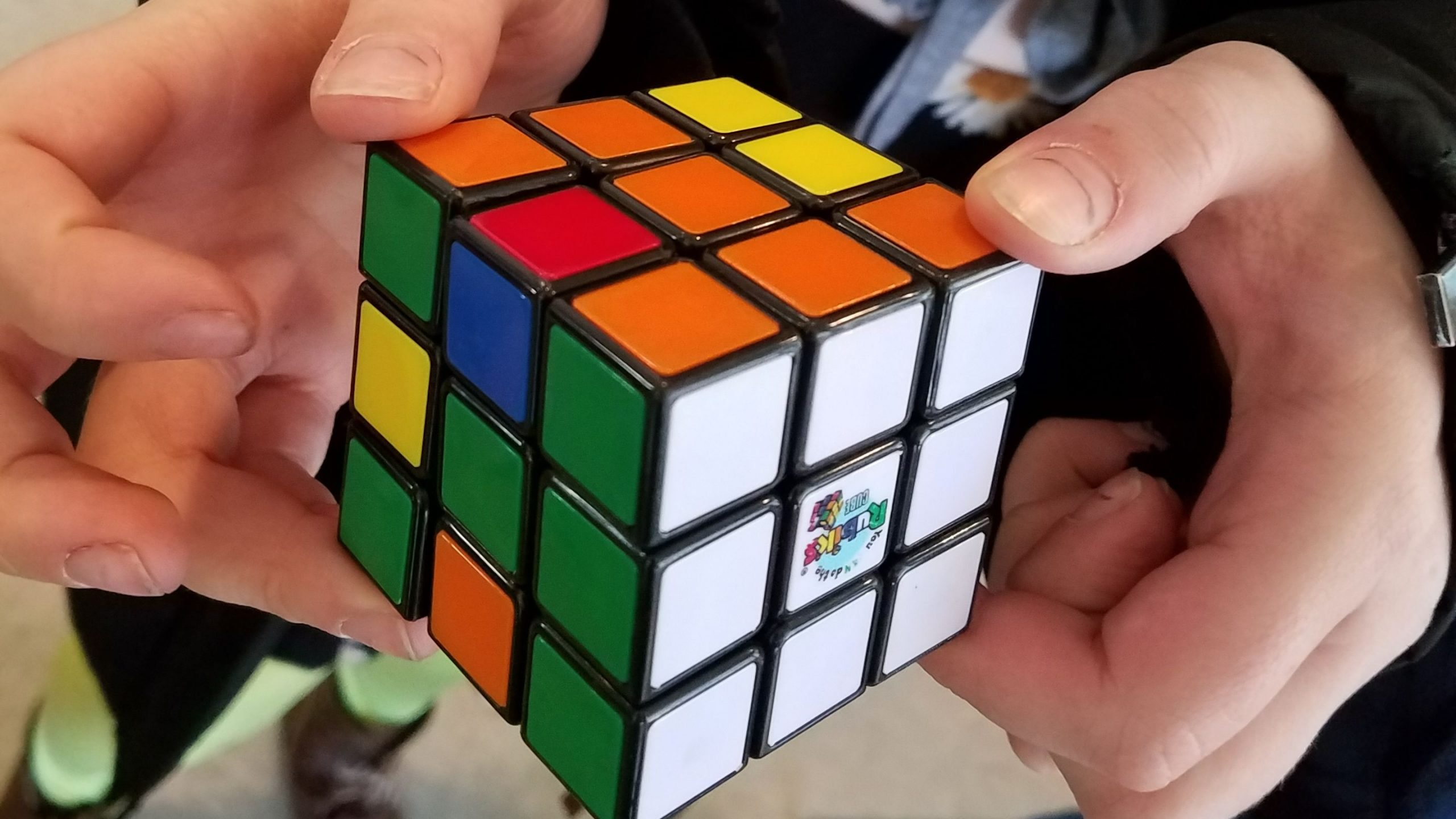 7 ideas to learn more about leadership by playing with Rubik's Cube