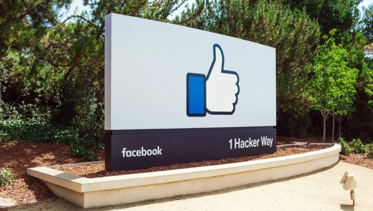 Facebook bans political advertising in US elections