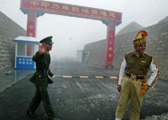 India is holding Chinese military after getting lost in the controversial Ladaj border area