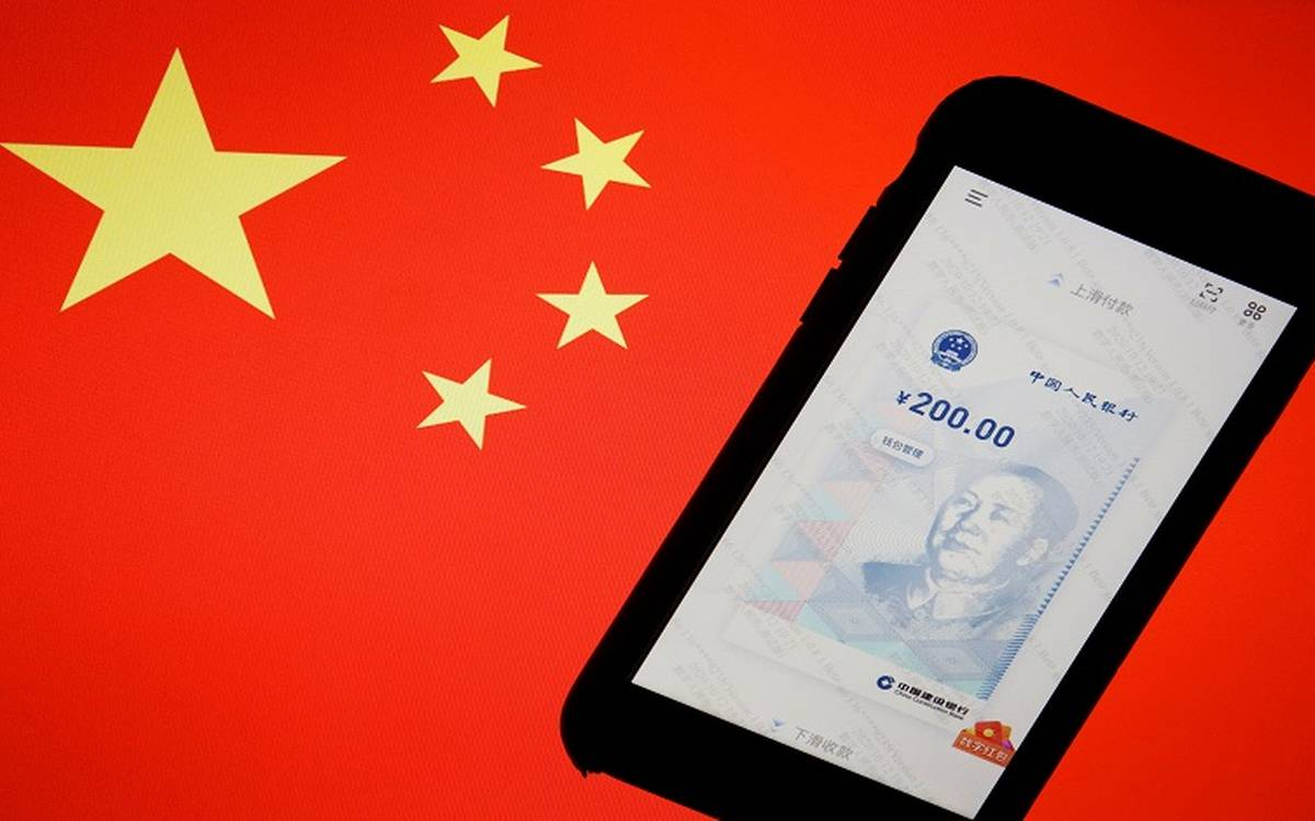 The digital yuan will work with WeChat and Alipay, says the bank director