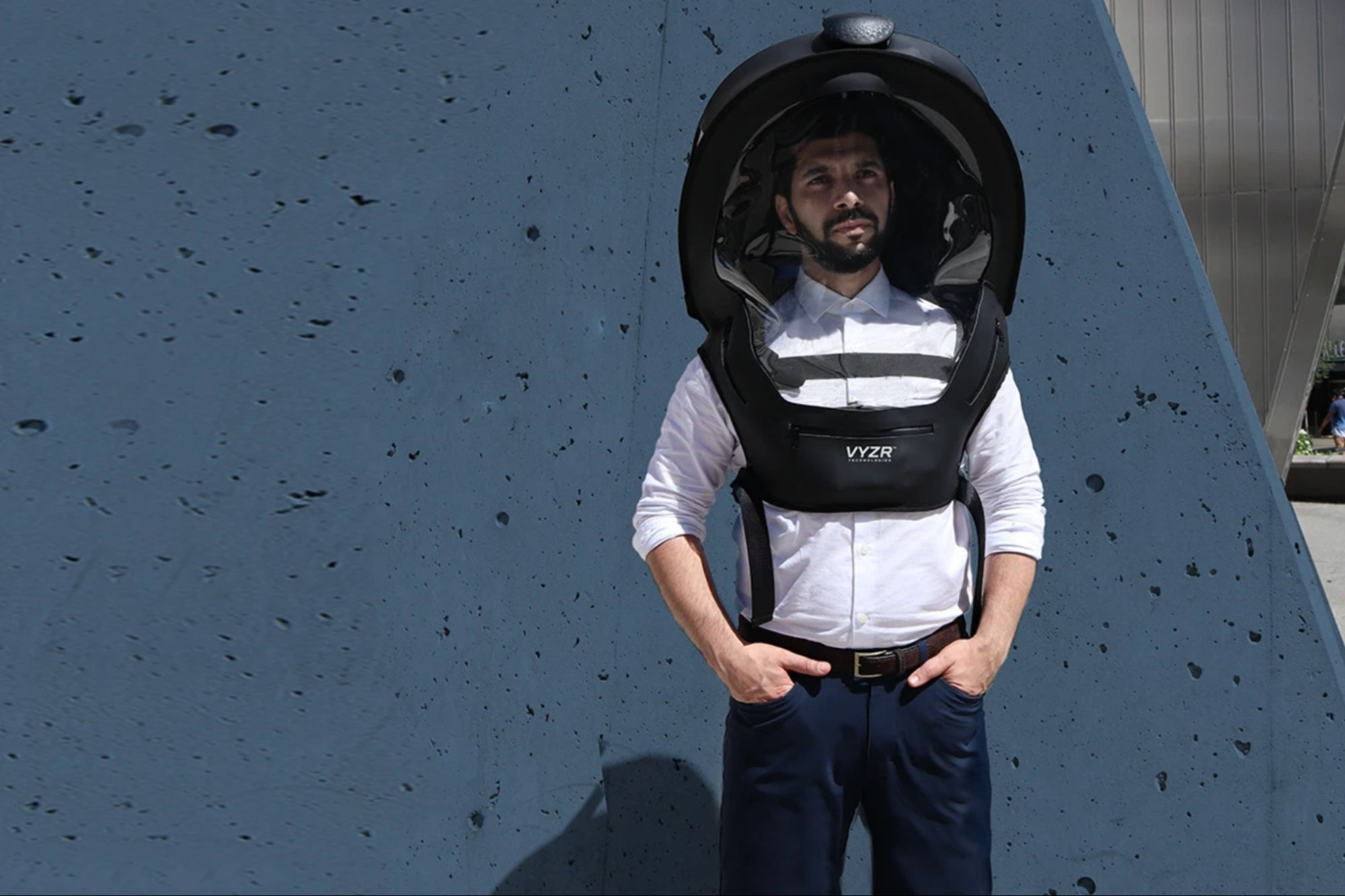 """They create a """"helmet"""" that protects against COVID-19 for 60 hours"""