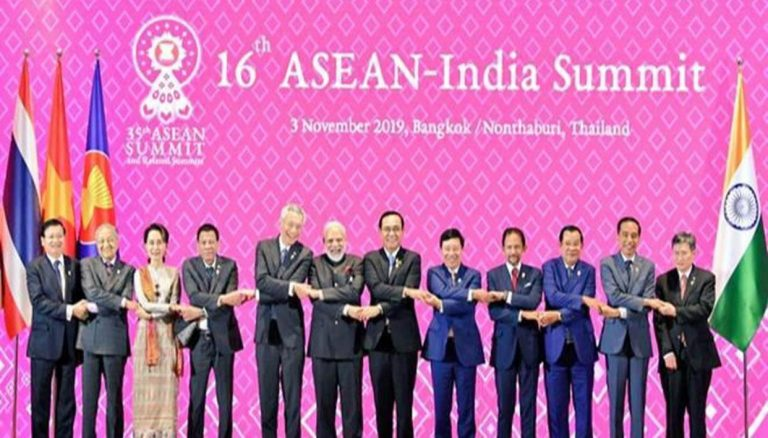 15 countries in the Asia-Pacific region sign the world's largest trade agreement