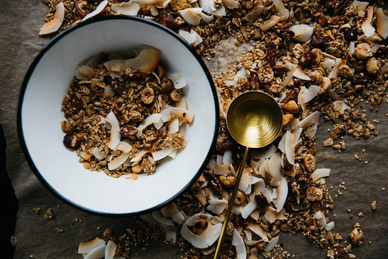 5 healthy snacks to eat in the office