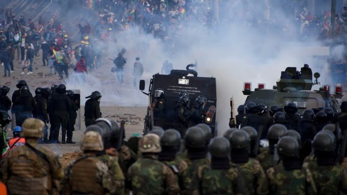 A commander of the Bolivian army is arrested for his responsibility in the Sacaba massacre