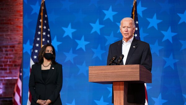 Biden caresses the presidency after maintaining his advantage in the disputed states in the past few hours