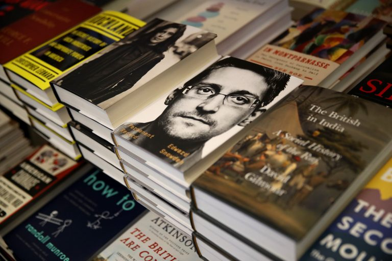 Snowden applies for Russian citizenship after being a refugee in the country for more than 7 years