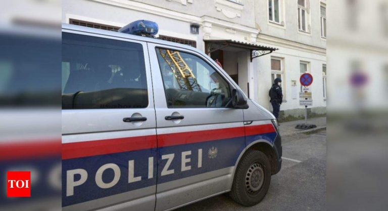 The Austrian police start raids against the Muslim Brotherhood and Hamas