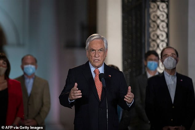 Piñera will judge himself for walking on a Chilean beach without a mask
