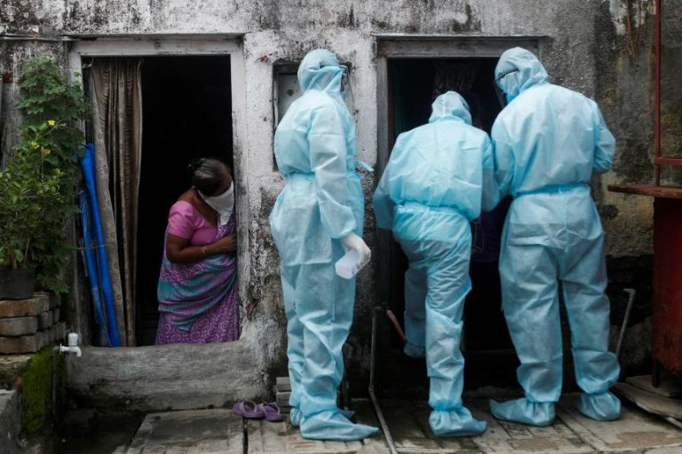 The coronavirus pandemic marks a new maximum with more than 690,000 cases and leads to more than 12,500 deaths