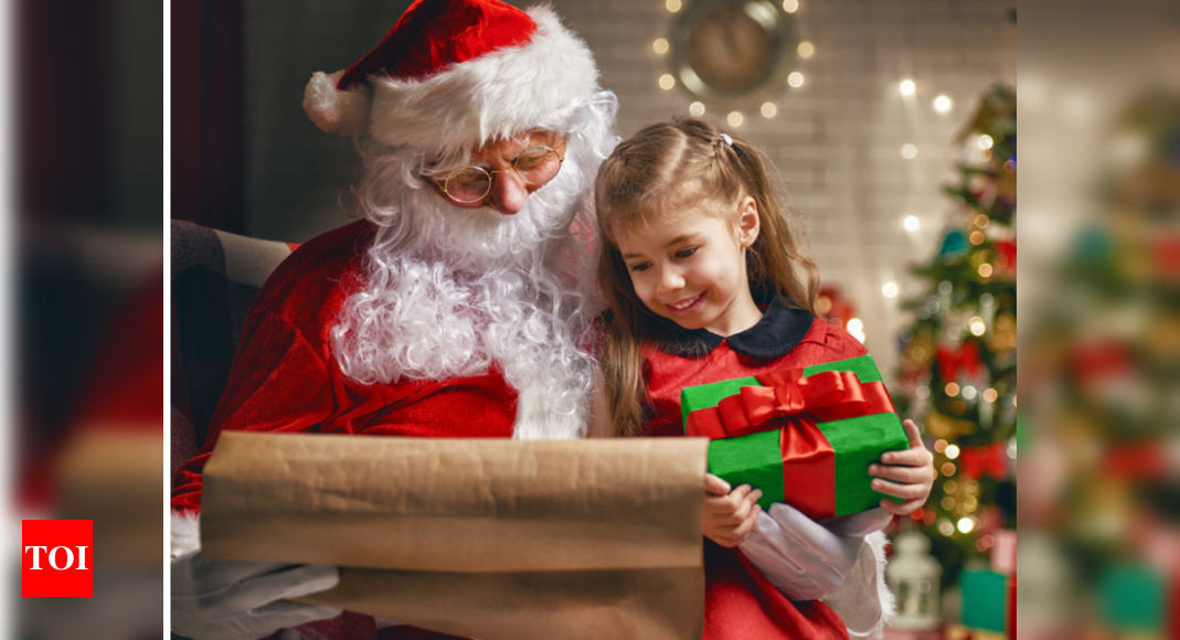 """Yes there will be presents! According to the WHO, Santa Claus is """"immune"""" to Covid-19"""